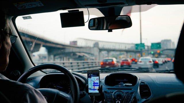 Accompagnamento: invalido può guidare?