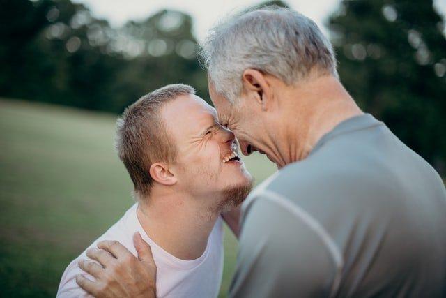 caregiver o assistente di sostegno
